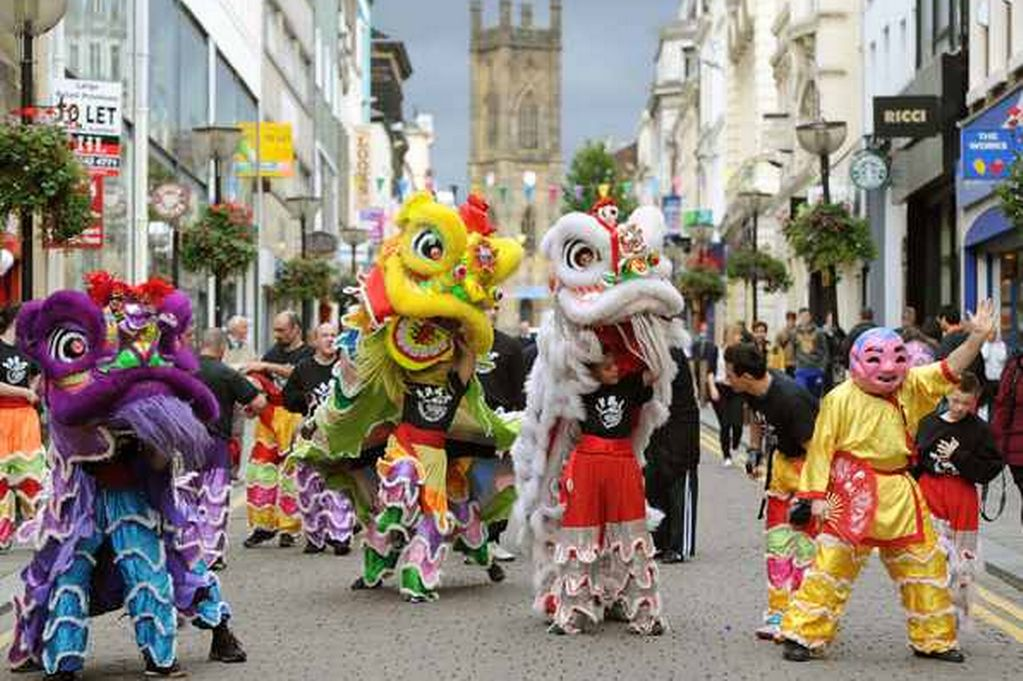 image-18-2012-middle-autumn-festival-on-bold-street-pics-andy-teebay-818596556-3224928