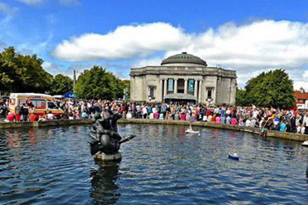 port-sunlight-summer-festival-87105904-3270727